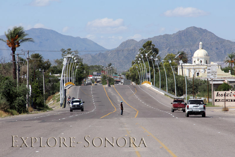 Solar-powered streetlights in Altar, Sonora