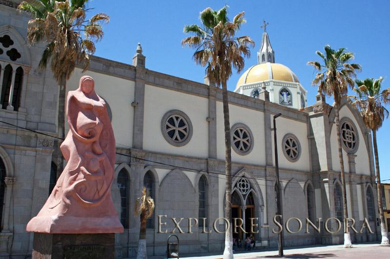 Statue in honor of women outside the Parroquia de Santa Maria de Guadalupe in Santa Ana, Sonora