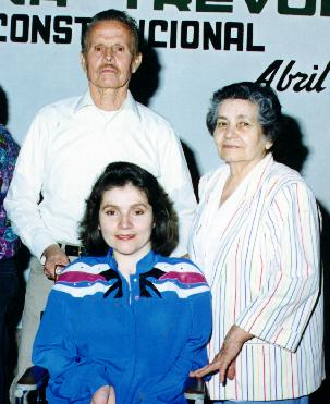 Alina Trevor with her parents